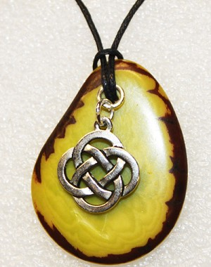 Charm Necklace Celtic Knot